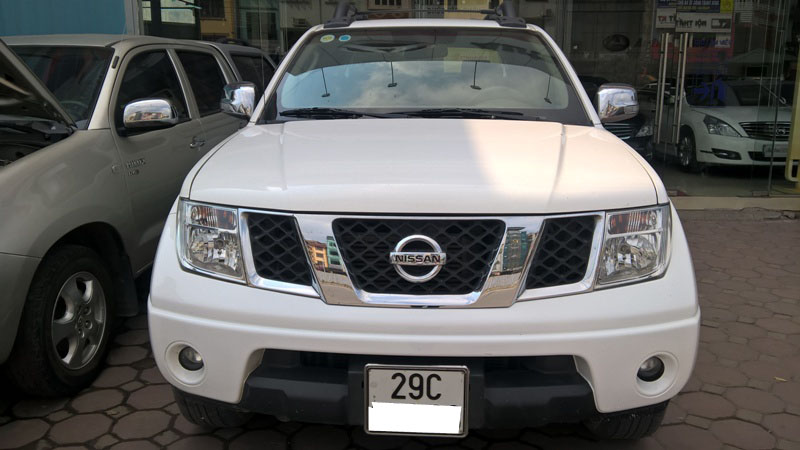 NISSAN NAVARA  AT 2013